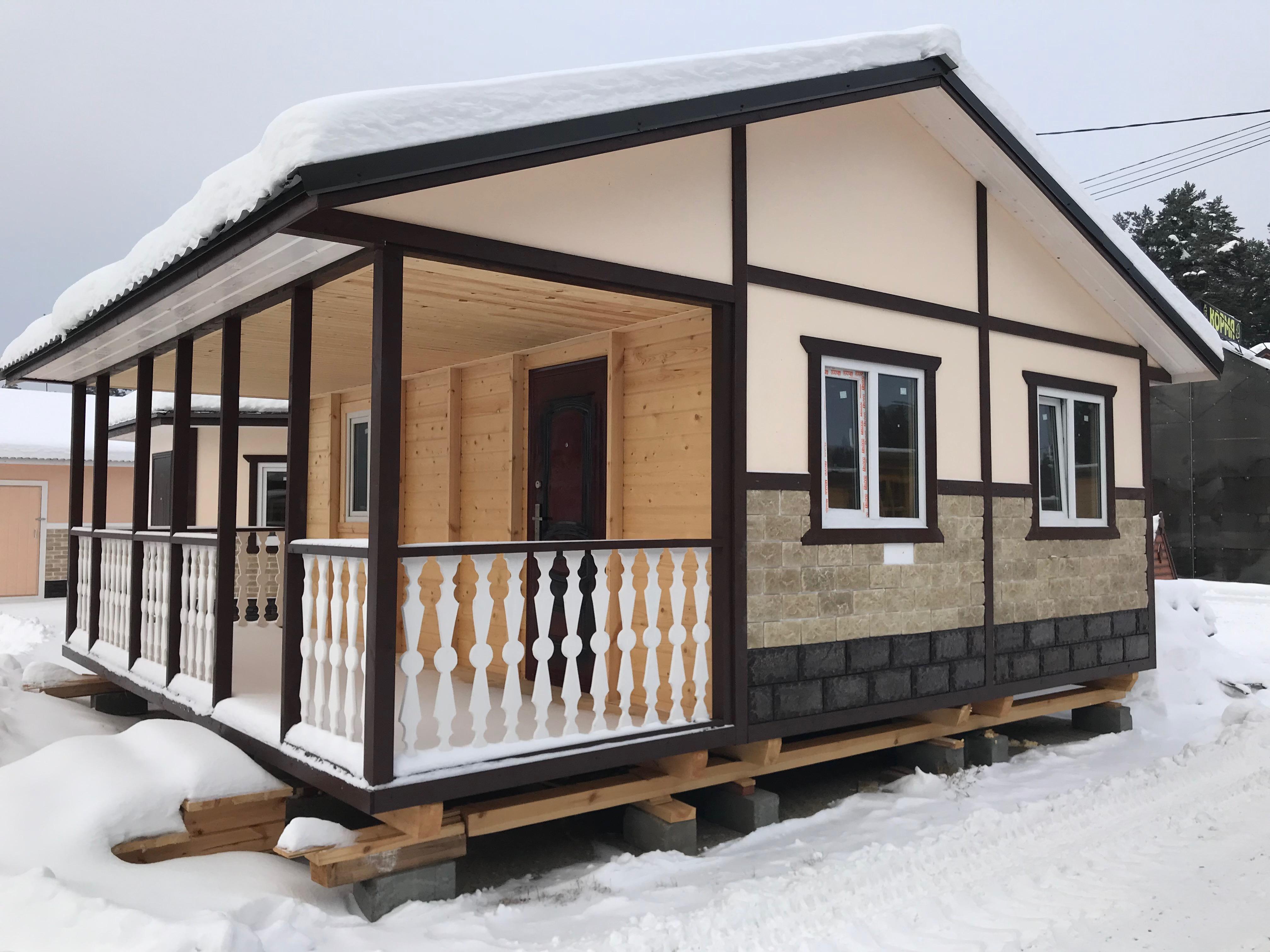 Дачный домик с большой верандой и санузлом